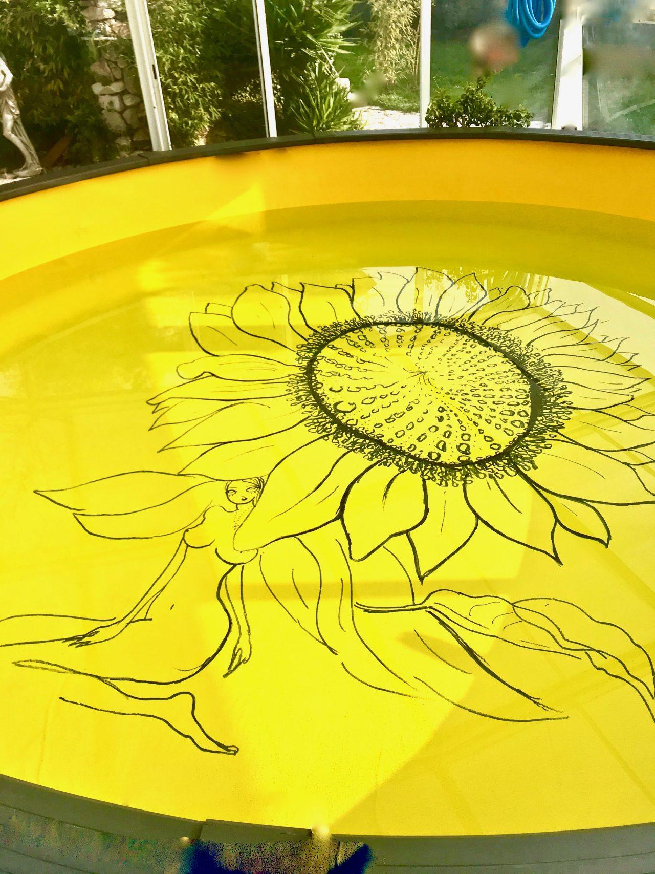 25 Piscine, décor tournesol, Nice, 2020